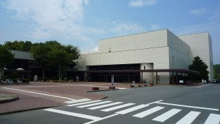 1280px-恵那文化センター