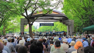 1280px-Hibiya_Open-Air_Concert_Hall