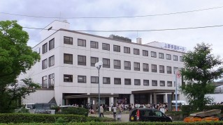 1280px-UENO_COLLEGE_Hall_20120707
